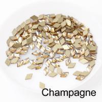Стразы Ромбики-малыши 3х5 мм Champange Nailstraz, (набор 5шт)
