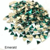 Стразы Треугольники-малыши 3х3 мм Emerald Nailstraz, (набор 5шт)